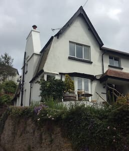 Double Bed, parking, river view. - Looe