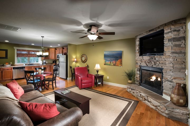 Asheville Cottages...Romantic, Luxurious and CLEAN