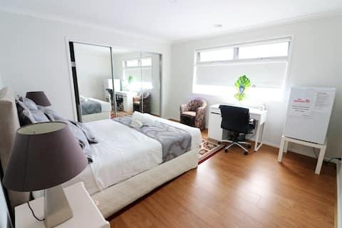 Rm3: Uusi yksityinen huone Queen Bedillä