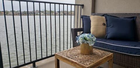 Lakeview Condominium