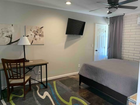 Newly Built Private Studio on Citrus Orchard