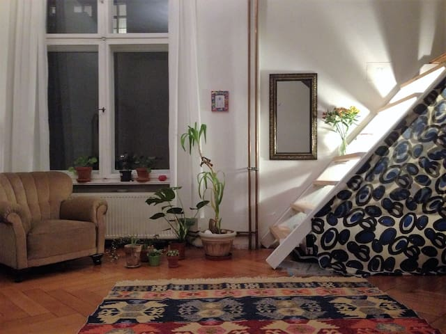 Funky Dreamy Cuddle Loft in the heart of Xberg