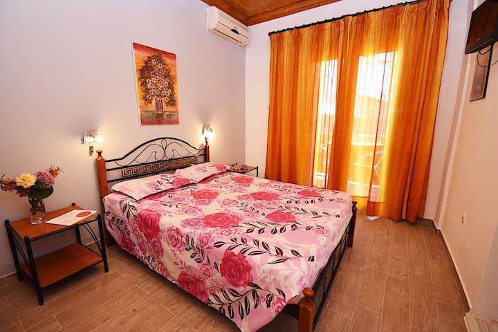 Polymnia Apartment Agios Georgios Corfu