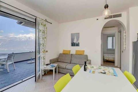 Casa Lena , relax sul lago di Garda