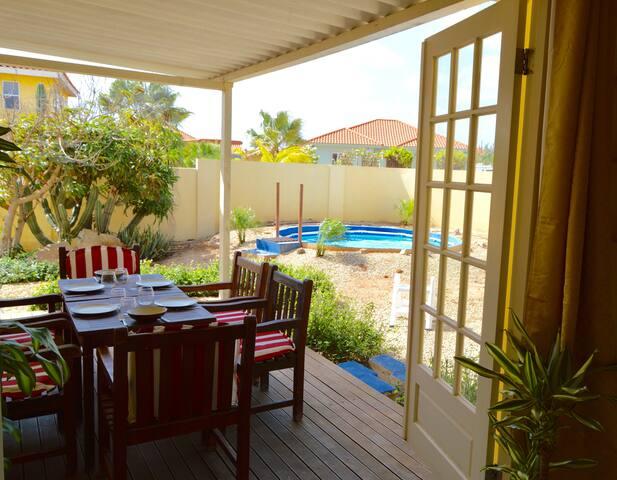 Villa near Ritz Carlton&Palm Beach - Noord - Dům