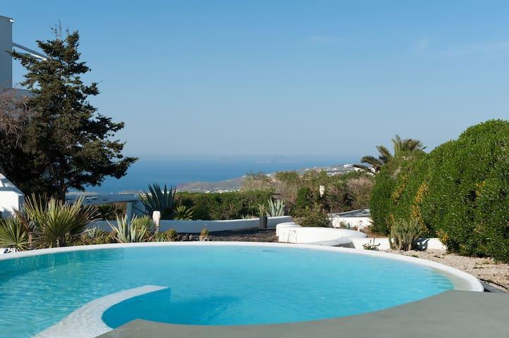 Saligari Villa with Private Pool & Hot Tub