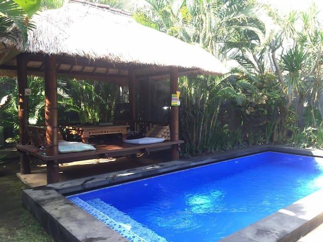 Private Bedroom in Balinese Villa w Pool & Joglo - Kuta - Willa