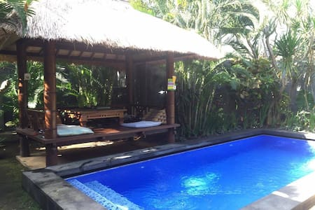 Private Bedroom in Balinese Villa w Pool & Joglo - Kuta