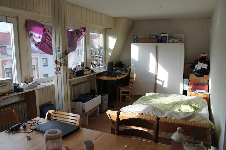 lichtdurchflutetes Zimmer im schönen Flüsseviertel - Bremen - Pis