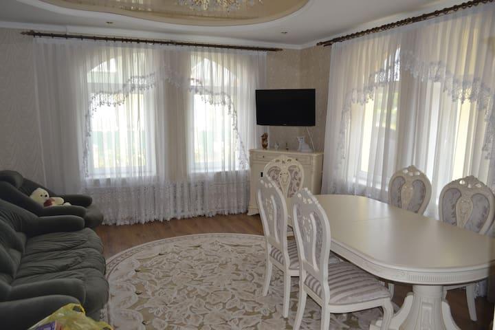 Комнаты в частном доме. - Khmel'nyts'ka oblast - บ้าน