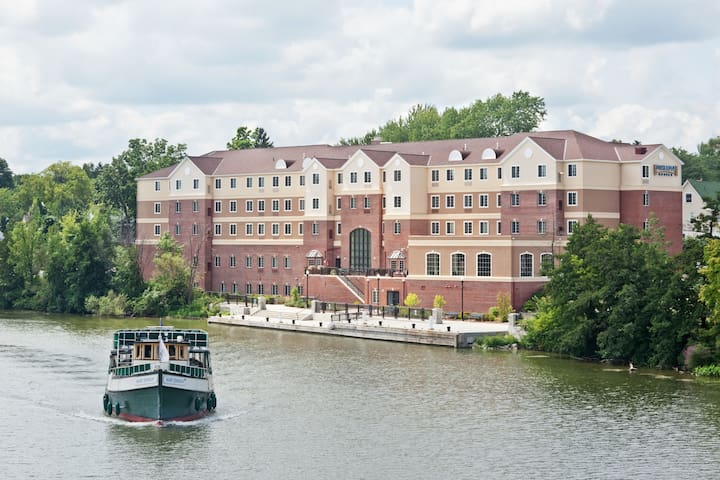 River View Suite Just a Stroll from the University of Rochester + Free Breakfast