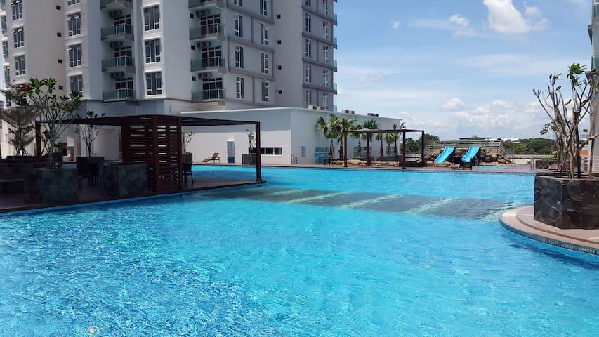 JB Cozy HomeStay 1-8 pax @15m to Sg Legoland Danga - Johor Bahru - Leilighet