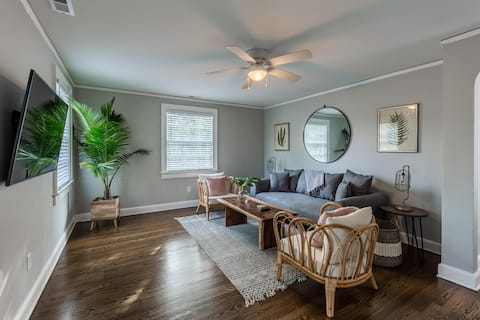 Downtown Charleston abode w/ bikes, 4 Beds