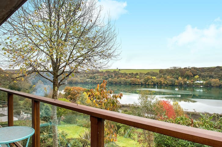 Modern Riverside Retreat - Golant, England, GB - Apartemen