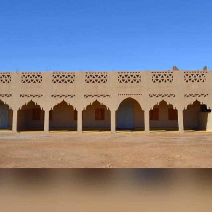 Khamlia Desert Hotel
