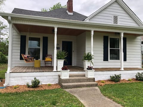 NEW! Downtown Cozy Colonial - Fully renovated!