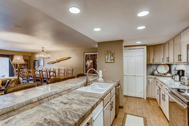 Newly Remodeled two-level Penthouse with Views of Beaver Creek  A804