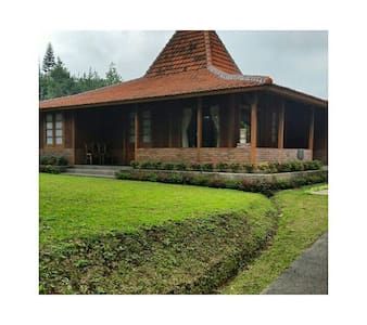 Joglo Opung Villa - Lembang - Bandung Barat