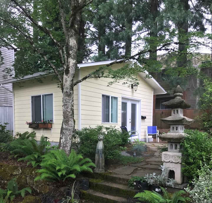Portland Cottage with Kitchenette