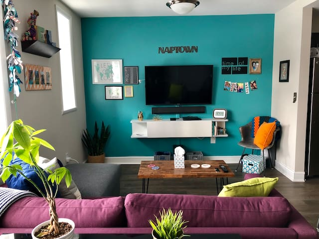 Eclectic Downtown Apartment near Mass Ave