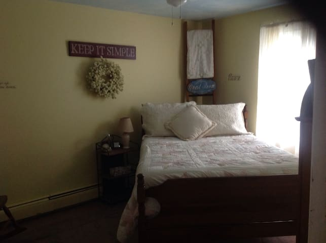 The Kendall Marie Room - Salem