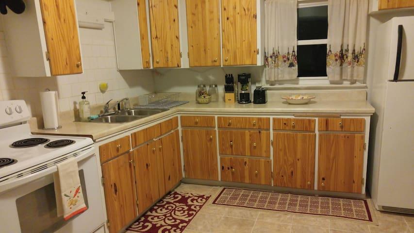 Central Casper 2 BDR Apartment - Casper