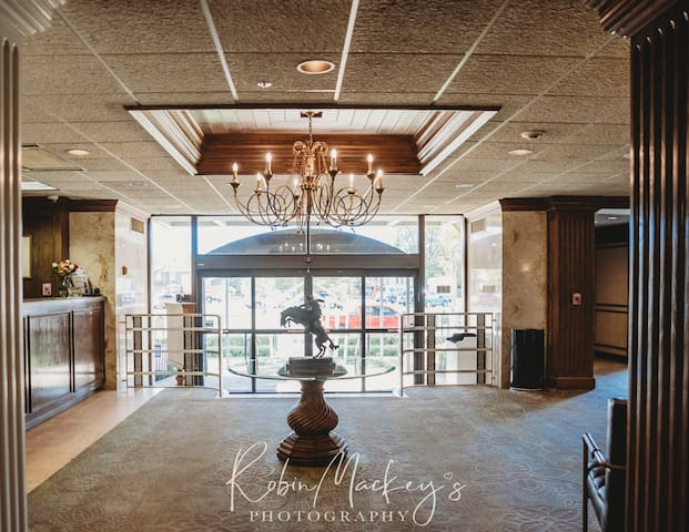 6xSUPERHOST-Historic High Rise Hotel Phillips #719