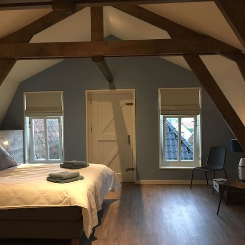B&B MID83 vlakbij de friese meren - Woudsend - Penzion (B&B)
