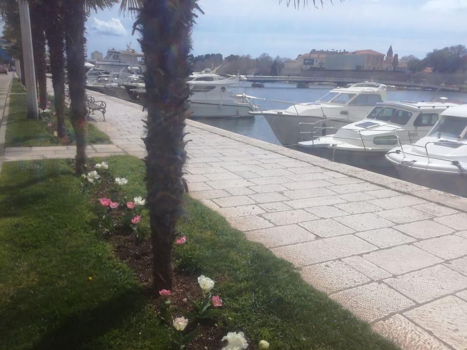 sea promenade 70 m away