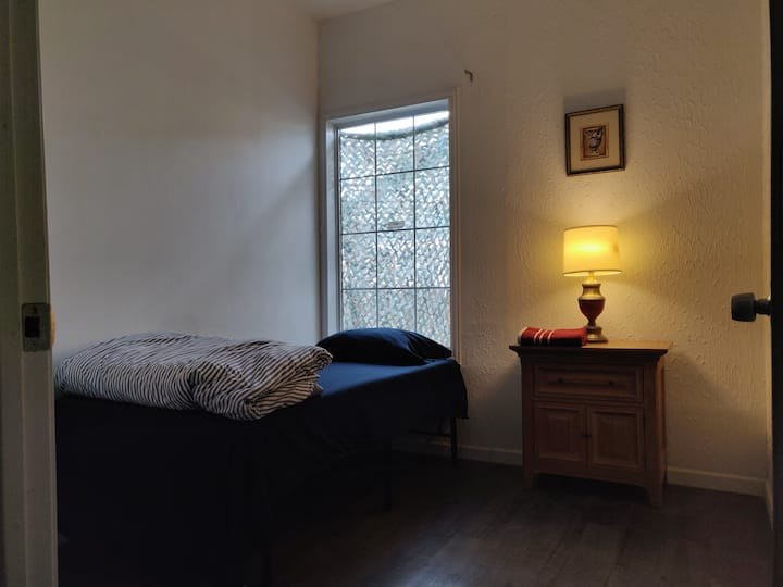 Small Room Near Bishop Arts & Downtown | Room #1