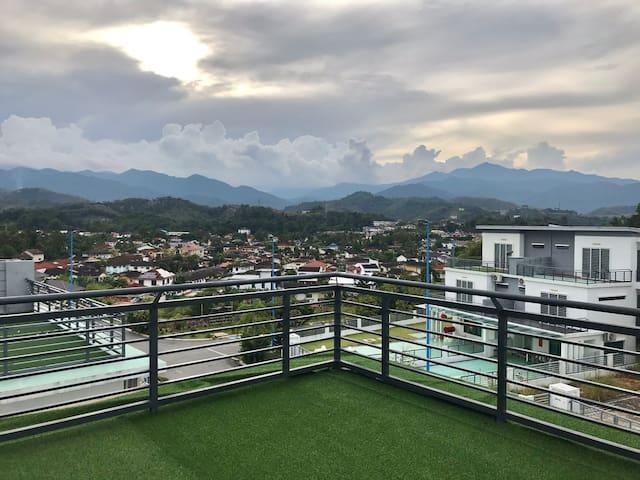 New spacious cozy Hill-home@Bentong