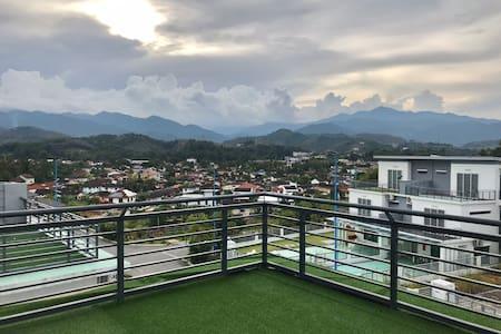 New spacious/cozy 2.5 storey Hill-Villa@Bentong