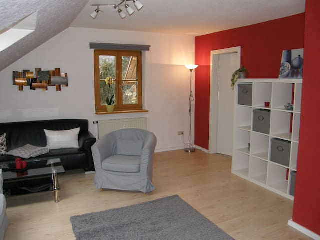 Cozy and fully equipped apartment - Peißenberg - Hus