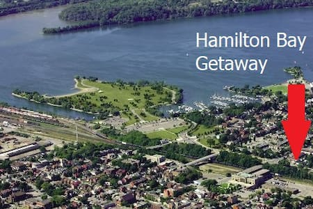 Hamilton Bay Getaway - Entire house & Free Parking