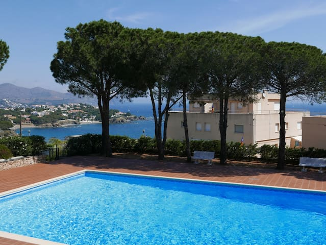 058 Apartment to rent with sea views and commun pool