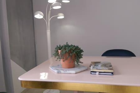 Studio contemporary deco