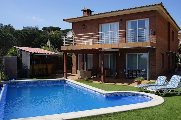 Holiday house in Blanes with swimming pool.
