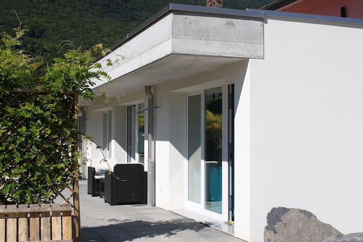 New built room with private bathroom (ref 06) - Bouveret - Oda + Kahvaltı