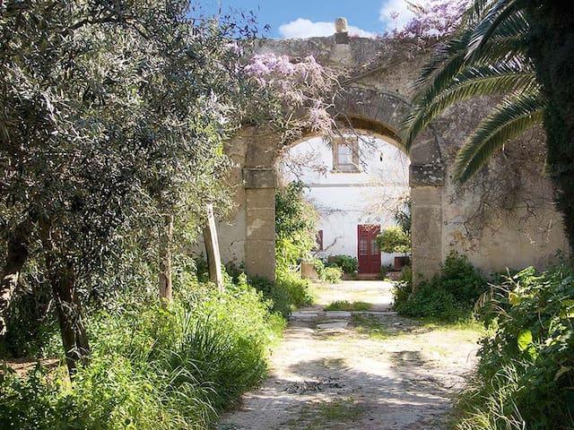 Baglio Rocca - Balestrate - Haus