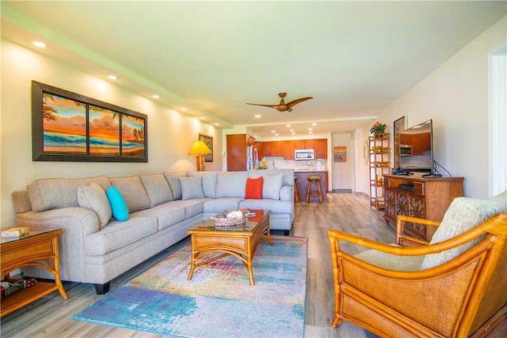 WOW!! CORNER UNIT- PREMIUM Ocean View located in the heart of Kaanapali.  FULLY REMODELLED. - H108