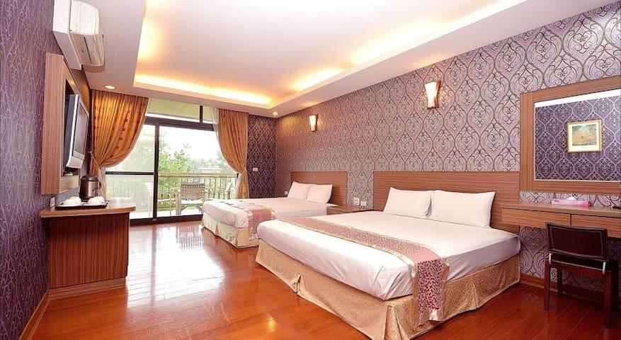 Peach Villa B&B ~ Deluxe Quad Bed - Lugu Township - Minsu (Taiwan)