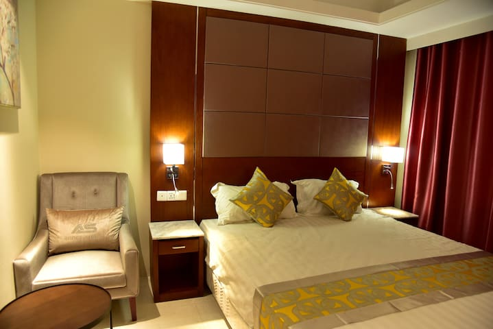 Annex Suites... A Business Class Botique Hotel