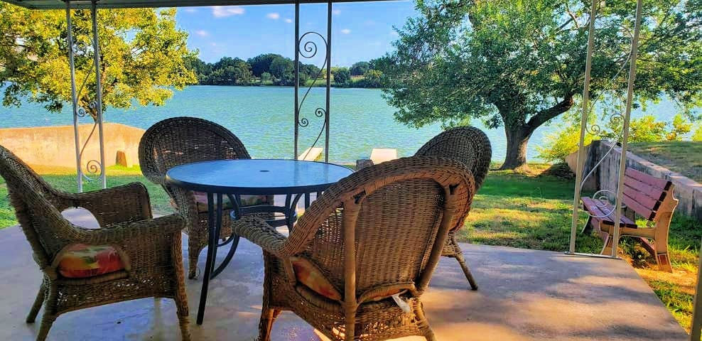 ***BestSpot&OpenWaterfront!!***Private Patio