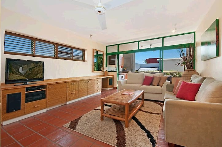 APARTMENT 311, PORT DOUGLAS - Port Douglas - Flat