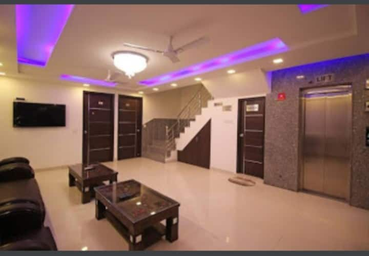 Luxuries Accommodation  in IGI, New Delhi