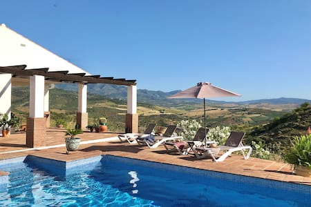 Stylish Country Villa, Private Pool