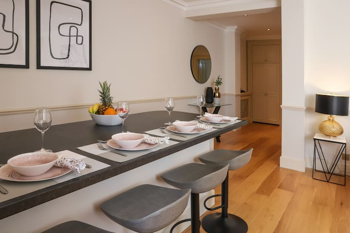 Prime Notting Hill Luxury Apartment