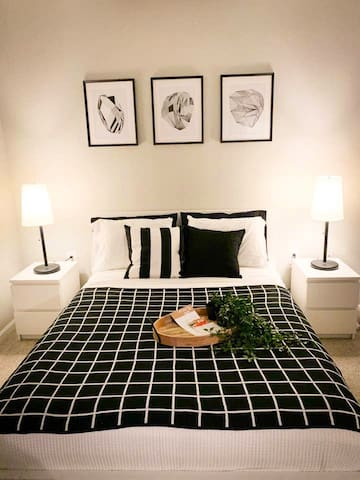 Cozy, Private Bed & Bath in Apt. 30 min from PHL.