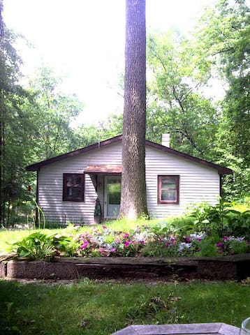Waterfront Cottage - Monticello - Huis