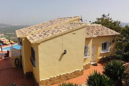 Villa with private swimming pool - Ador,   Urb Monte Corona - Villa